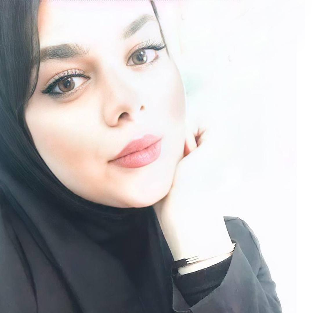 سحر اکبری
